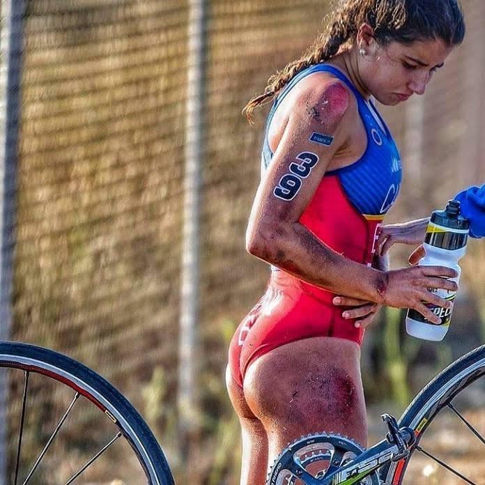 Bicycle Pics Frauen kennen keine Schmerzen