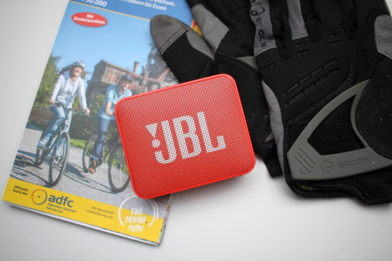 JBL Go2 front 2